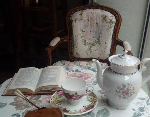 Livre et thé